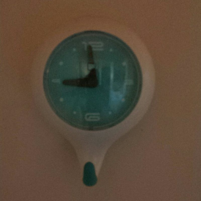 waterproof blue clock with suction cups